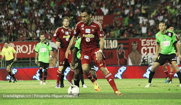 http://www.gradadigital.com/principal/images/stories/julio_machado_caracas_mineros_14092012.jpg